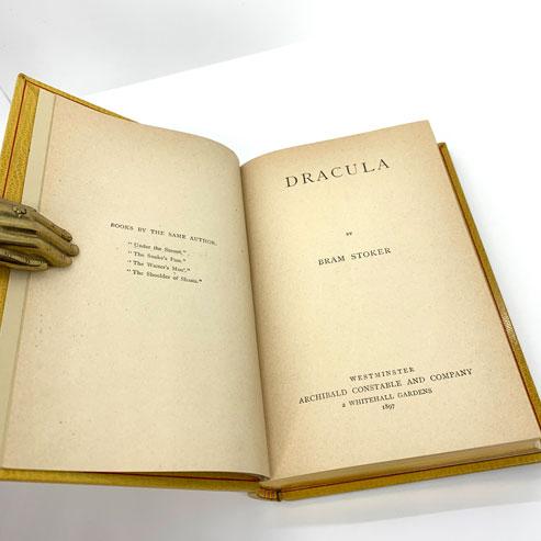 Dracula: STOKER, Bram, True First Edition.